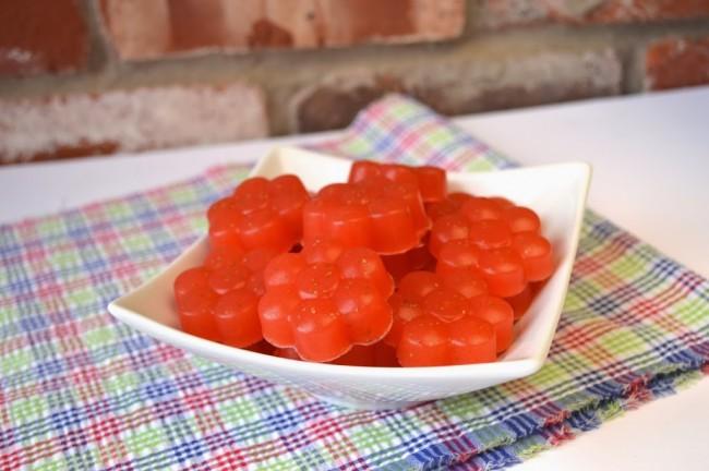 Sour Strawberry Gummies | Plaid and Paleo