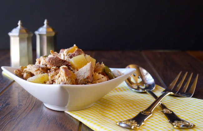 5-Ingredient Hawaiian Crockpot Chicken | Plaid & Paleo #paleo
