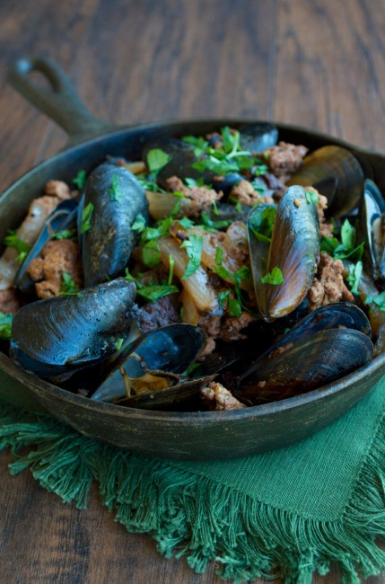 Chorizo and Caramelized Onion Mussels | Plaid and Paleo