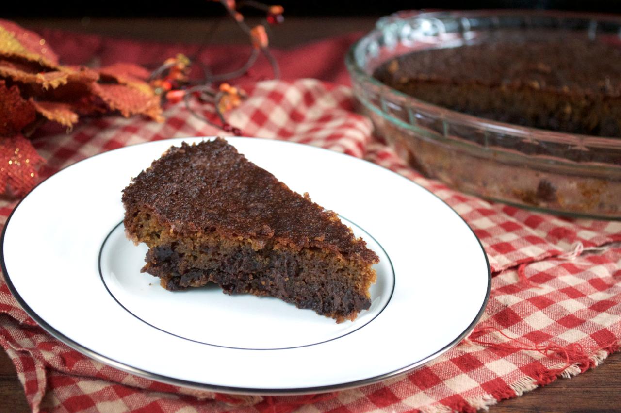 5-Ingredient Chocolate Chip Cookie Pie | Plaid and Paleo