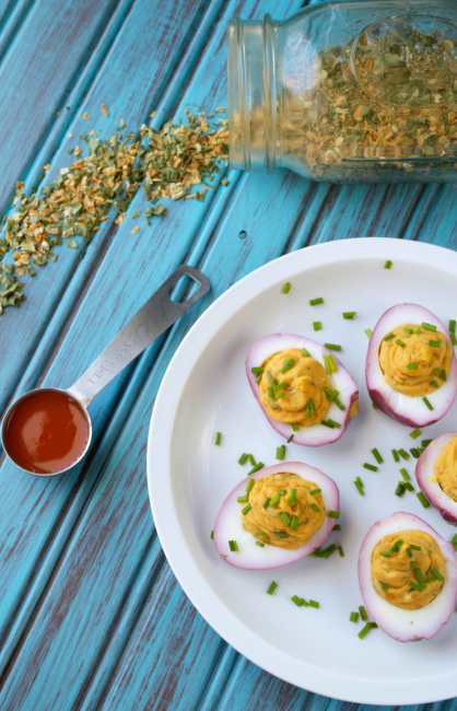Buffalo Ranch Deviled Eggs | Plaid and Paleo