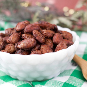 Paleo Gingerbread Spiced Almonds