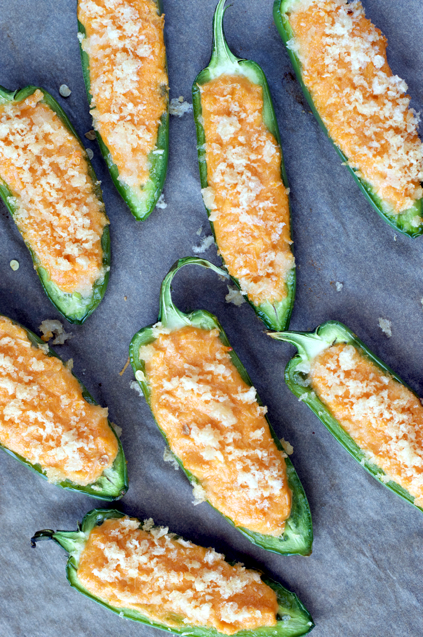 Paleo Buffalo Chicken Jalapeno Poppers | Plaid and Paleo
