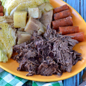 Crockpot Corned Beef, Potatoes, Carrots, Cabbage
