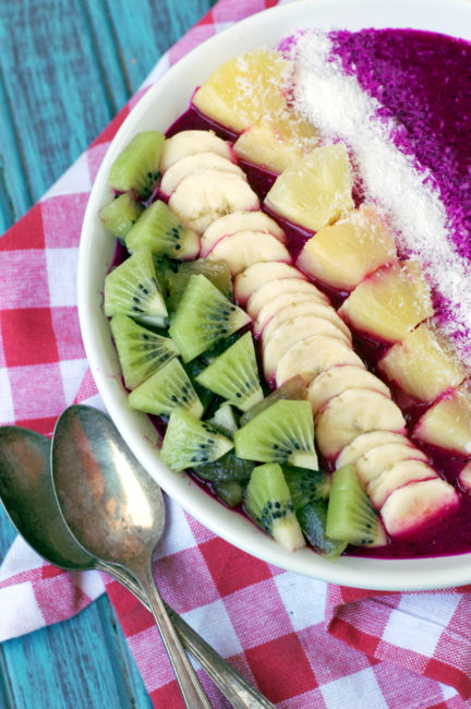 Vegan Tropical Dragonfruit Smoothie Bowl | Plaid and Paleo